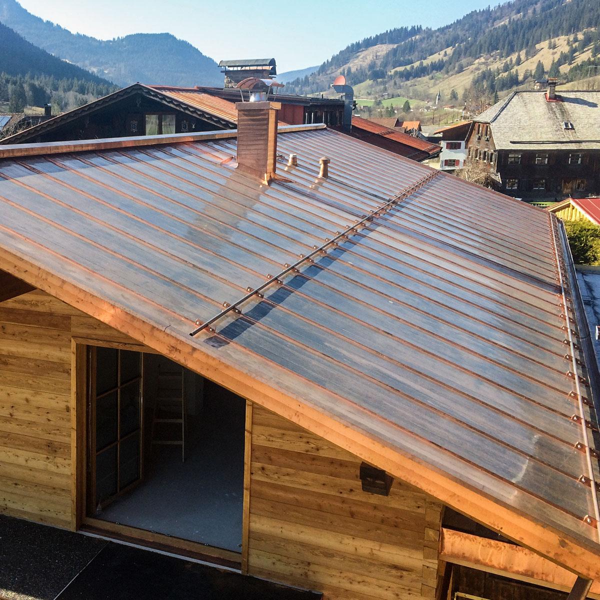 Kupferdach auf einem Wohnhaus